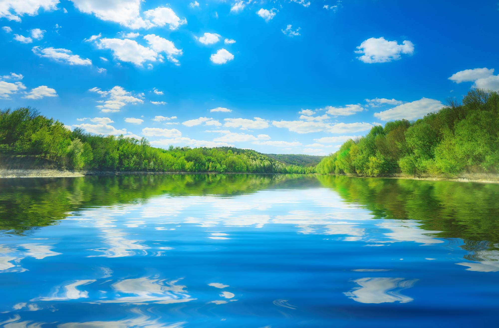 Окунуться в лето: ТОП-8 озер, в которых можно безопасно искупаться на Закарпатье