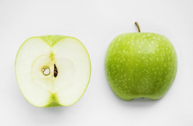 Два простых лайфхака, чтобы нарезанное яблоко не потемнело
