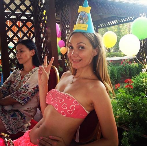 Евгения Власова отпраздновала 10-летие дочери Нины