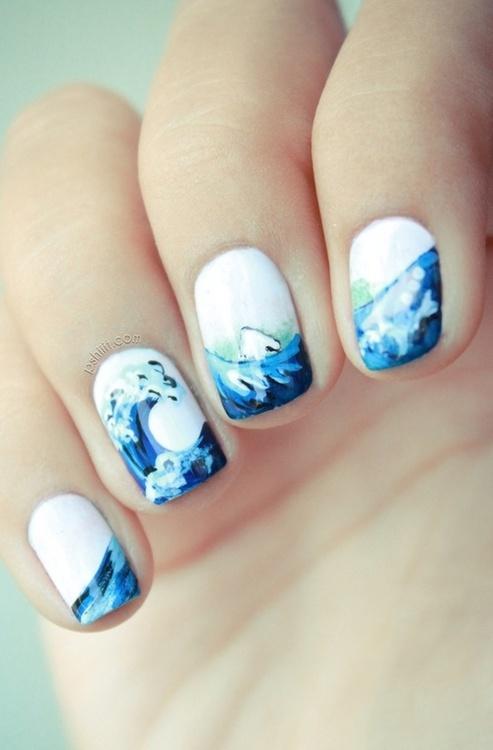 Морской узор на ногтях