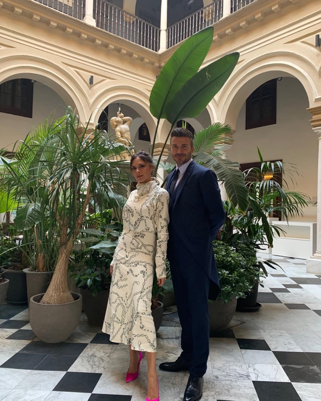 Виктория Бекхэм трогательно поздравила мужа с
