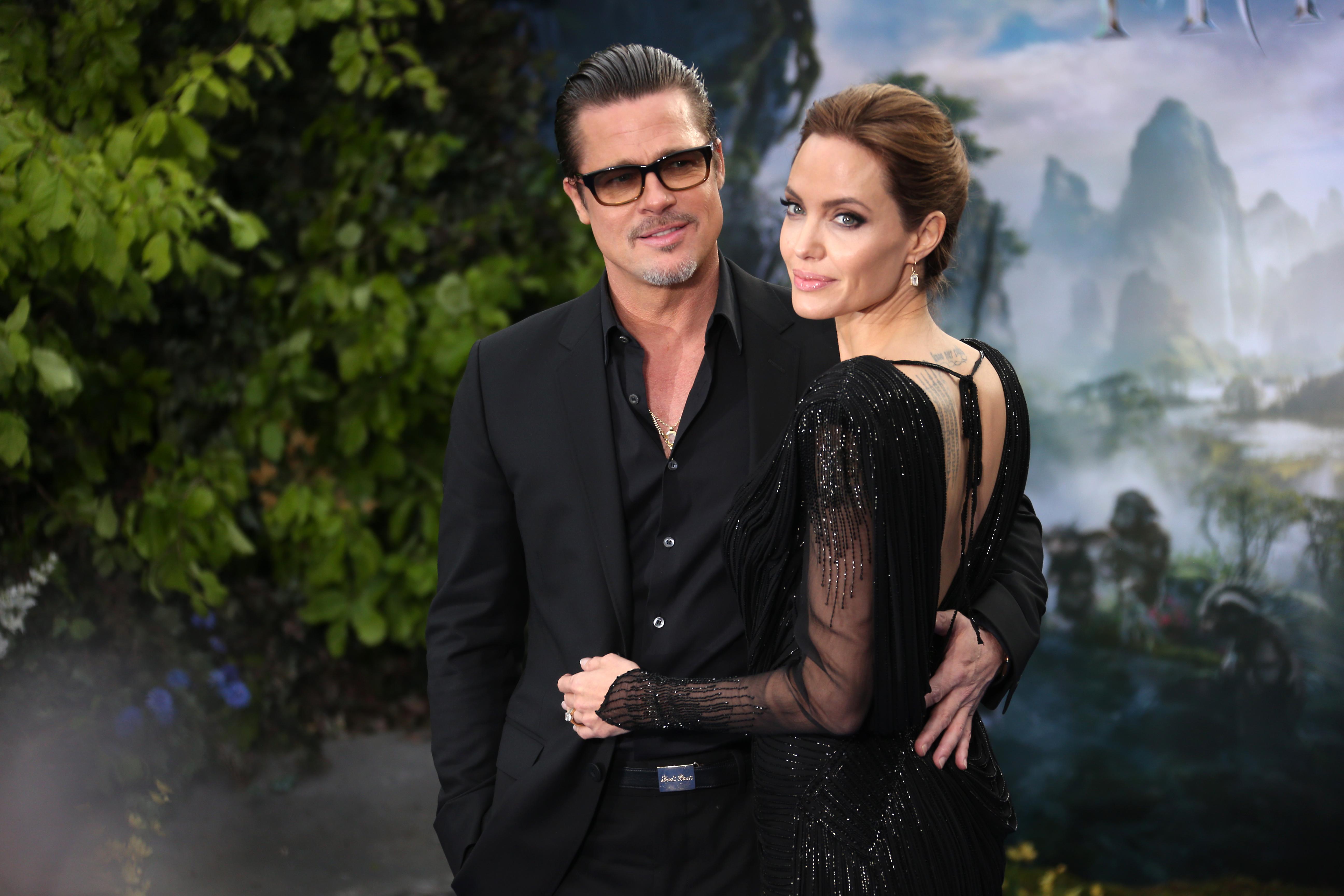 Джоли и Питт не спешат устраивать свадьбу