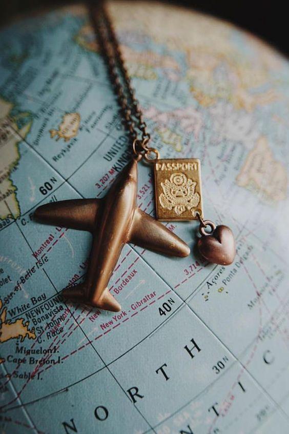 Плату за безвиз отсрочили еще на год: Как в 2022 получить разрешение на поездки