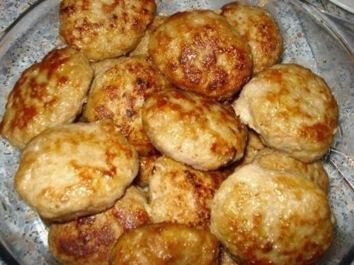 Еврейские куриные котлеты: простой рецепт к ужину