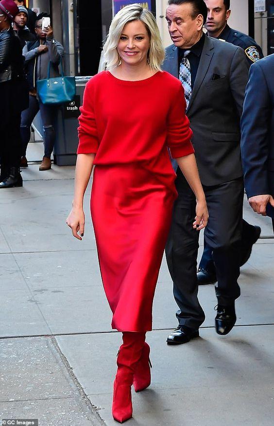 Красный осенний образ с юбкой миди