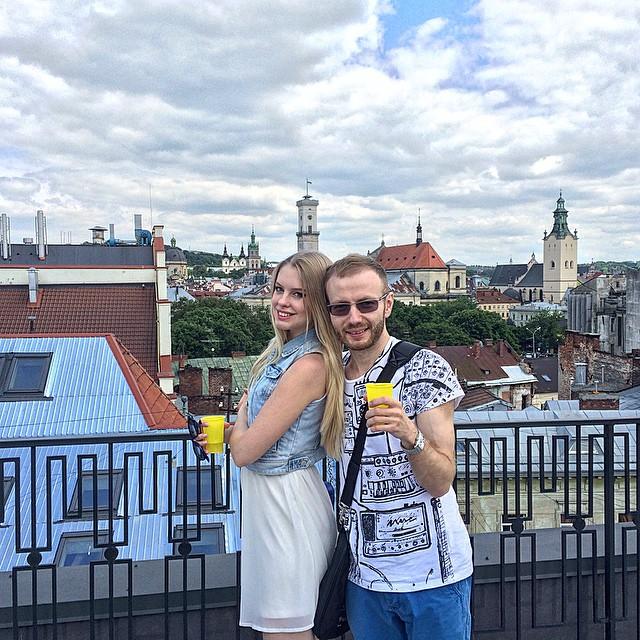 Денис Повалий со своей женой