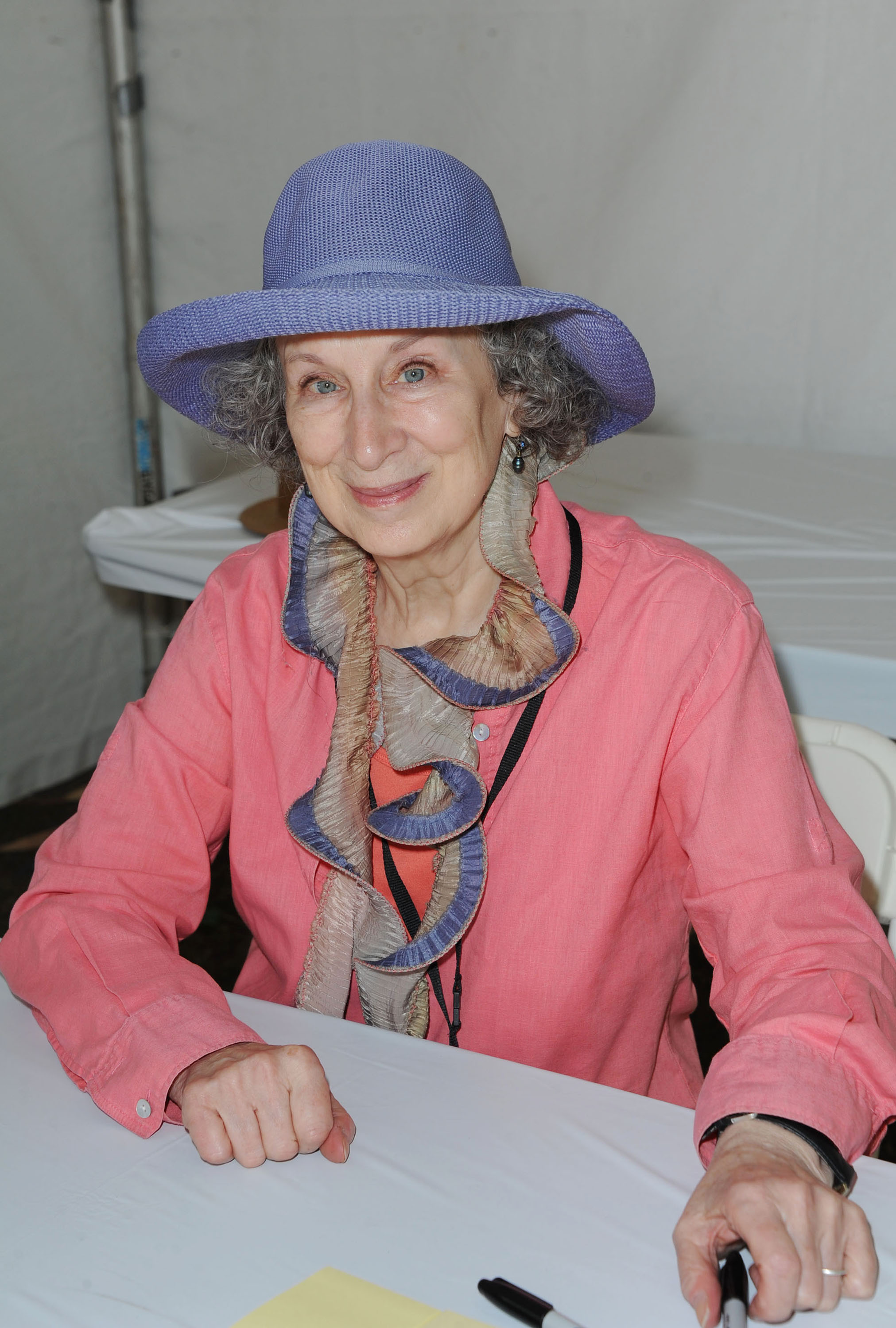 essays by margaret atwood Essays issues voices margaret atwood the university of toronto, toronto but you can alter your attitude towards it, and this, paradoxically.