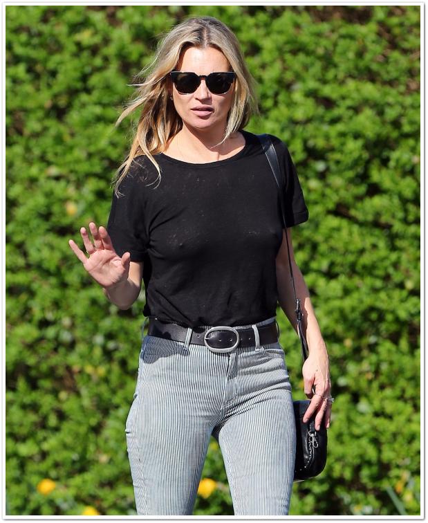 Модель Кейт Мосс не может смутить даже пристальное внимание папарацци