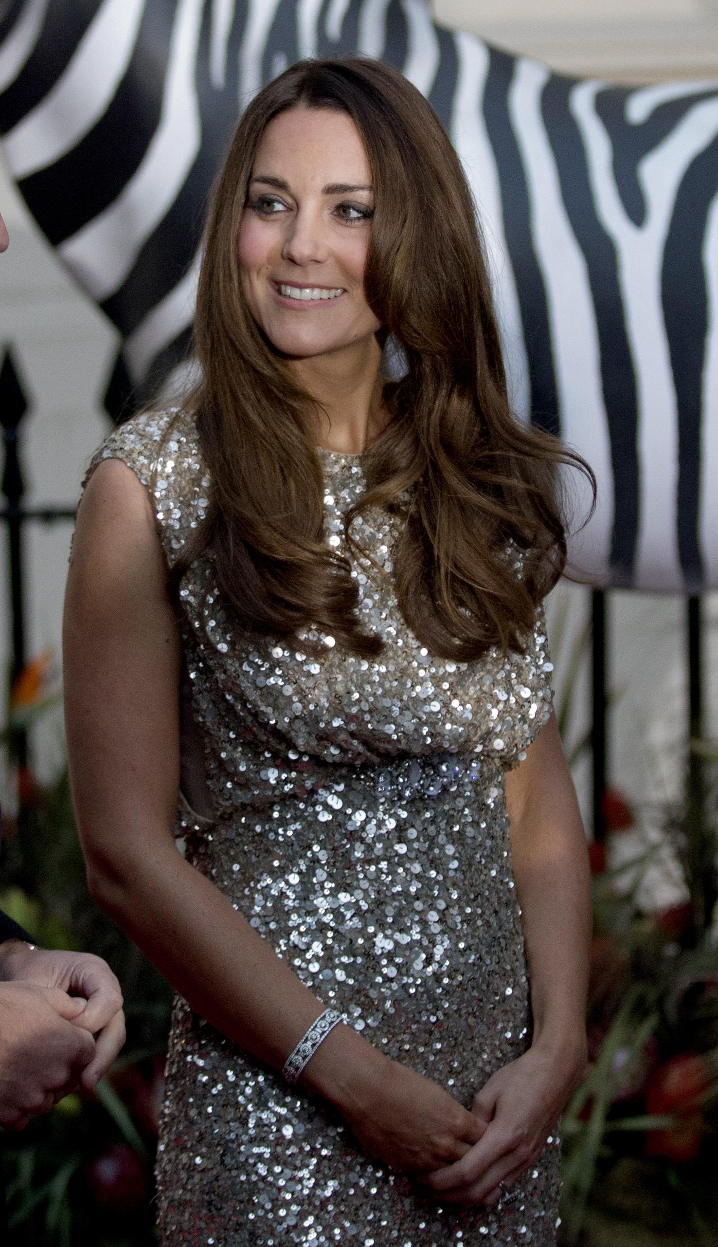 Кейт Миддлтон в знаковом платье с пайетками