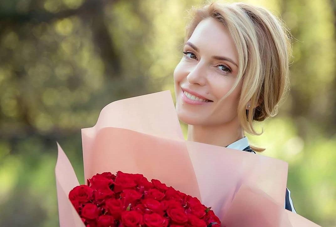 Звездная тренер Марина Боржемская очаровала Сеть женственным образом