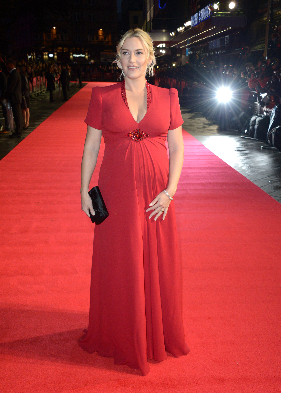 Актриса Кейт Уинслет в платье  Jenny Packham на показе фильма Labor Day в рамках Лондонского кинофестиваля