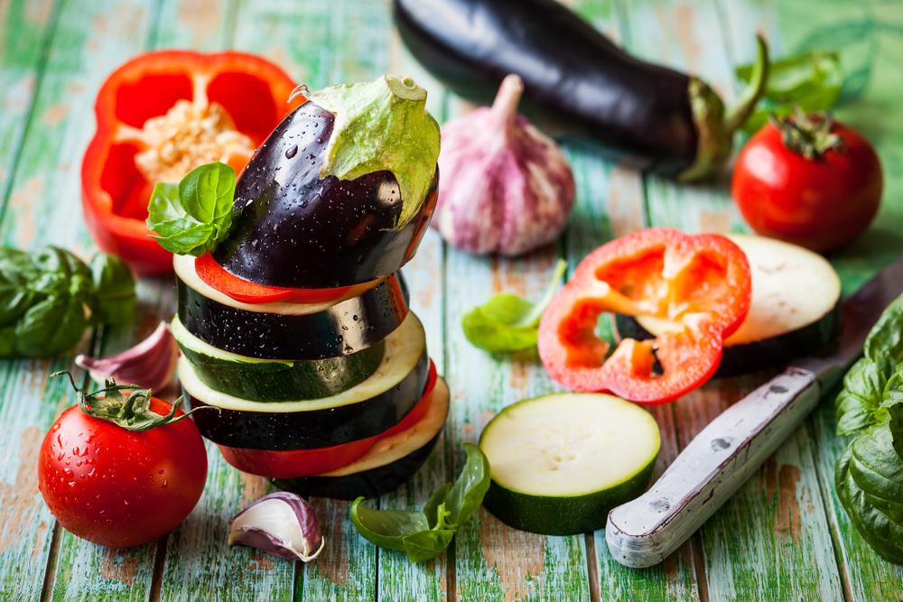Как вкусно приготовить баклажаны с кабачками в духовке