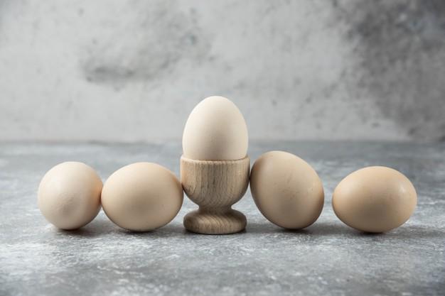 Как правильно выбирать яйца – лайфхаки от опытных хозяек