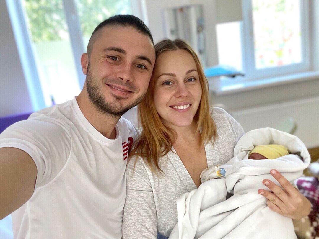 Alyosha рассказала о новорожденной дочери
