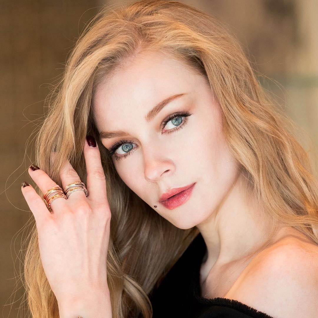 Светлана Ходченкова разделась в новом клипе группы