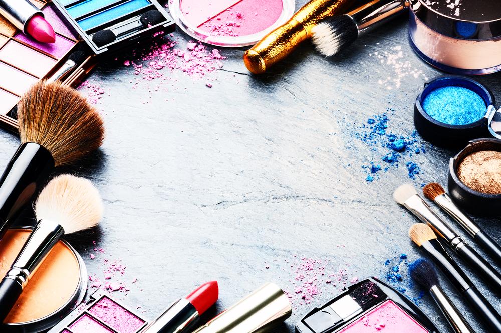 Как узнать, что косметика испортилась и что делать, чтобы продлить ее использование: ТОП-5 лайфхаков