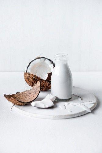 Дары природы: чем полезна кокосовая вода для волос