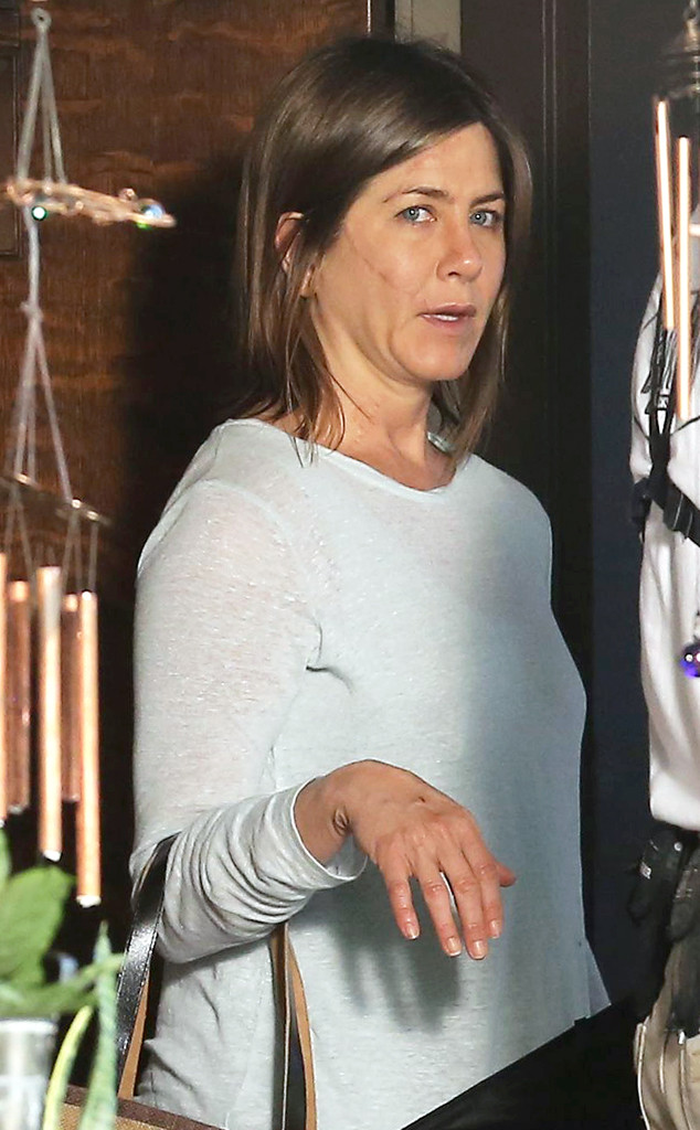 Jennifer aniston without makeup