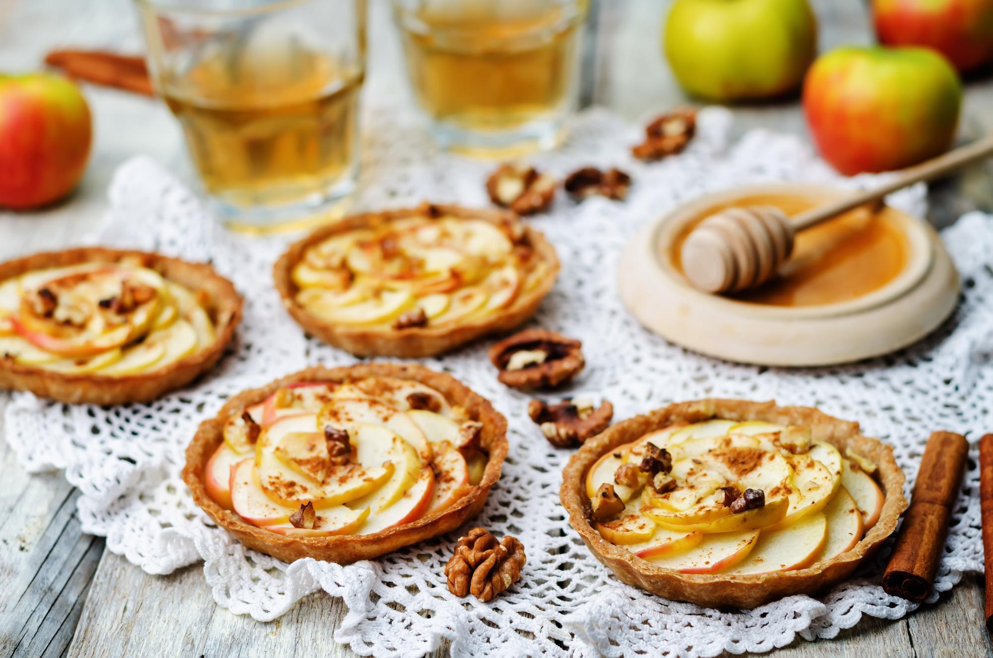 Яблочные тарталетки: подробный рецепт с фото