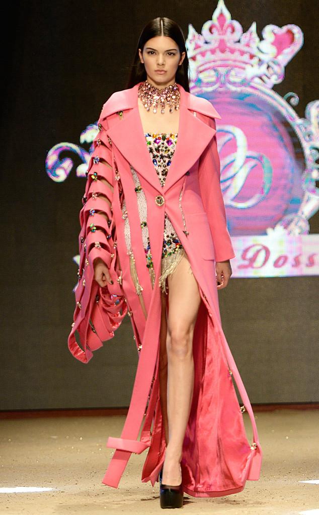 Модель Кендалл Дженнер стала звездой Dosso Dossi Fashion Show