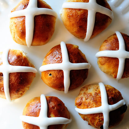 Английские крестовые булочки