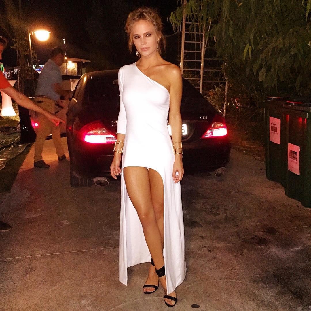 Мини порно ролики знаменитости платье