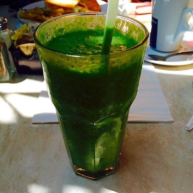 Любимый зеленый коктейль Яны