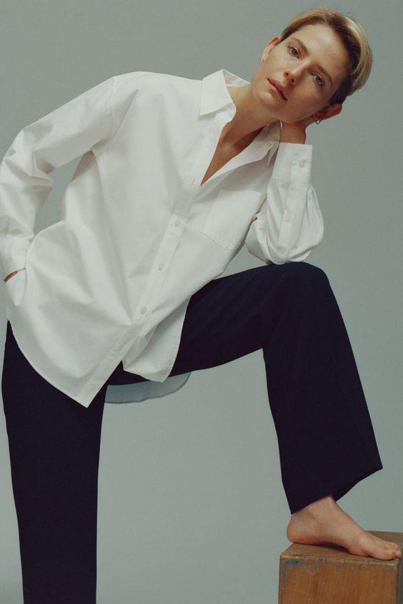 Белая рубашка - элемент базового гардероба женщины