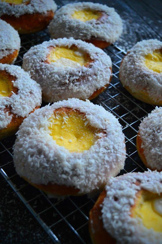 Кухни мира: норвежские булочки Skoleboller с кремом
