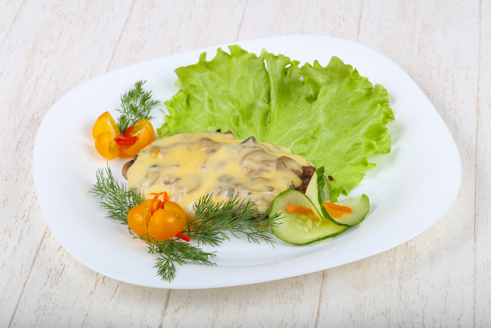 отбивные с луком и сыром в духовке рецепт