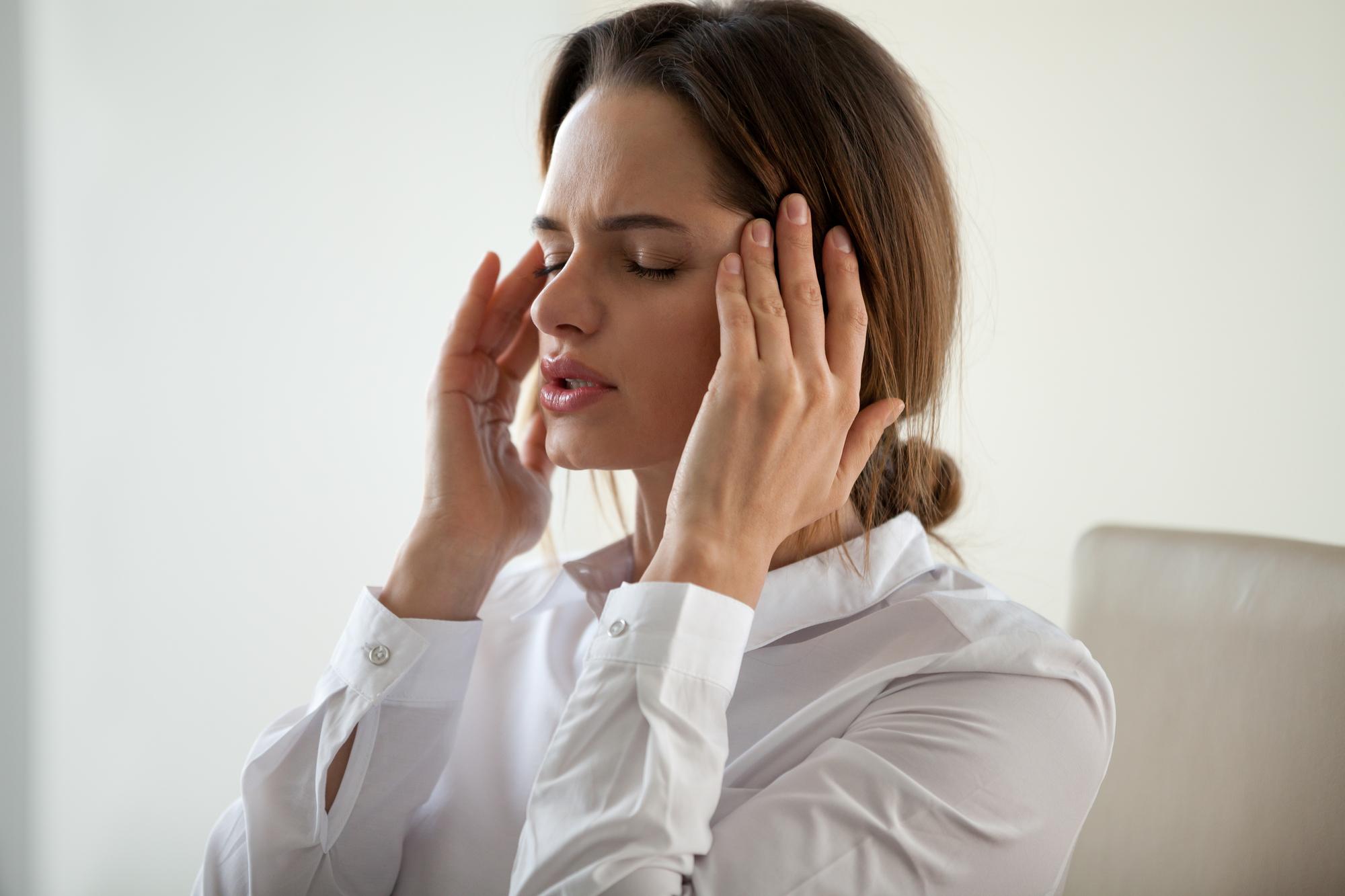 Как определить и чем лечить мигрень: советы Уляны Супрун