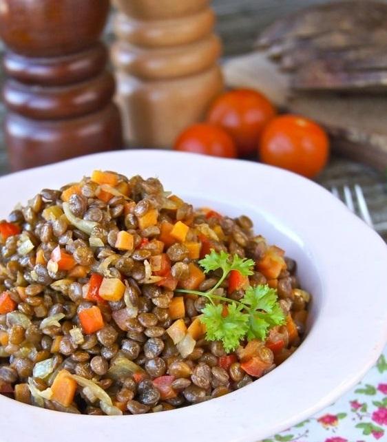 Готовимся к посту: гарнир из красной чечевицы с овощами