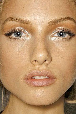 Колхозный запах: ошибка в макияже - перламутровые тени