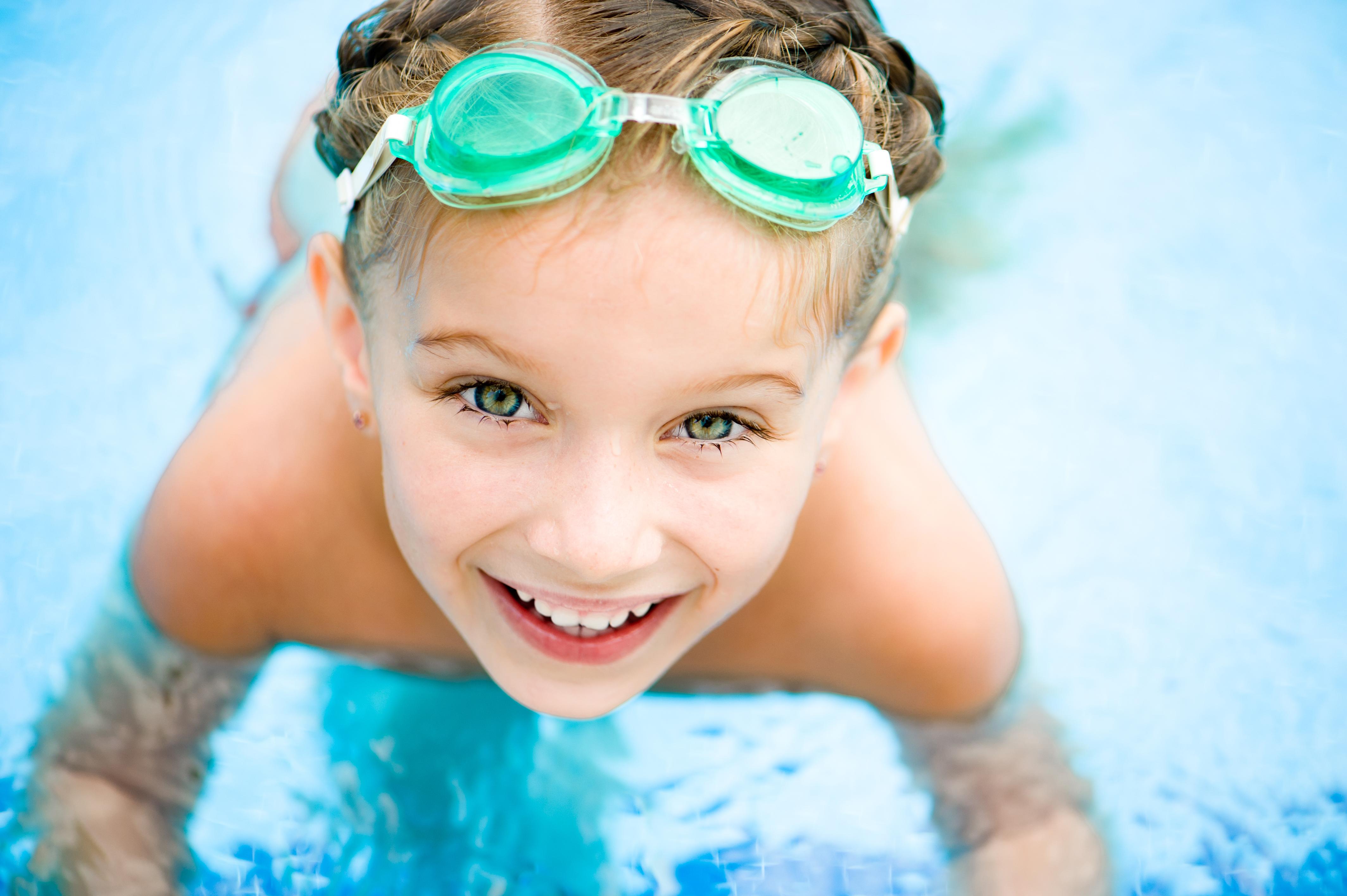 Летняя пора: Как связать купальник для девочки