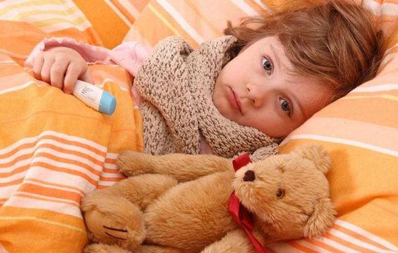 Комаровский рассказал, как распознать воспаление легких у ребенка