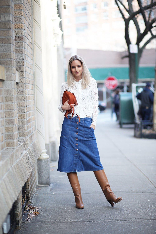 ТОП-6 способов, как носить джинсовую миди-юбку весной 2020