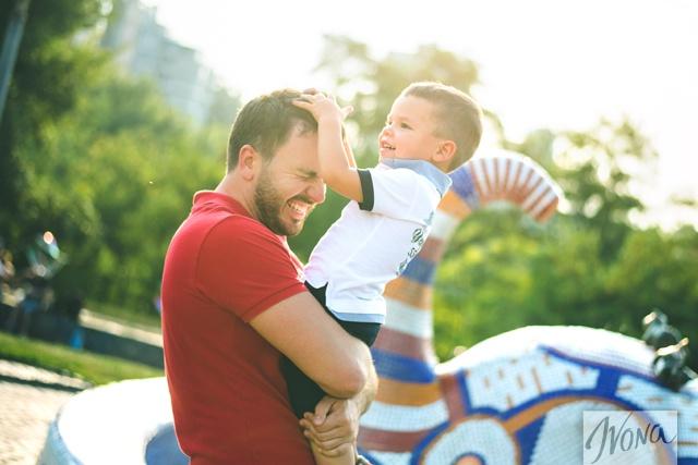 Григорий утверждает, что нельзя жить в семье только ради ребенка, ведь малыш чувствует фальшь.