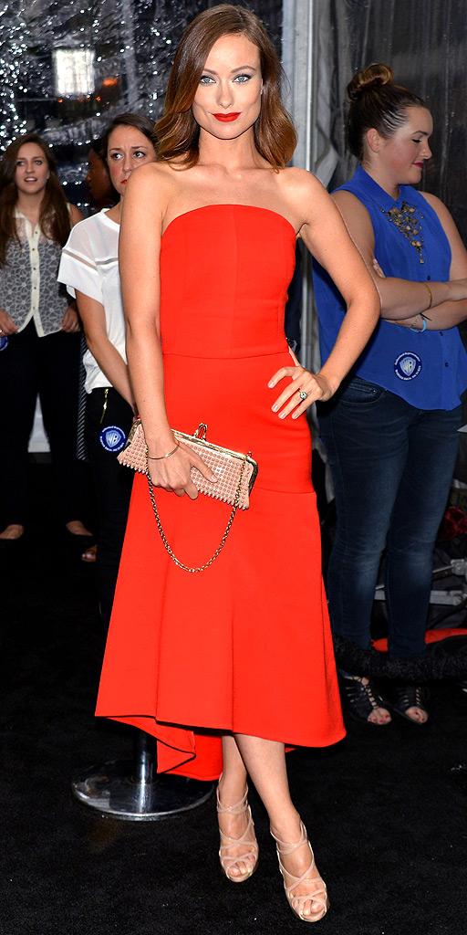 Актриса Оливия Уайлд в красном платье от Osman