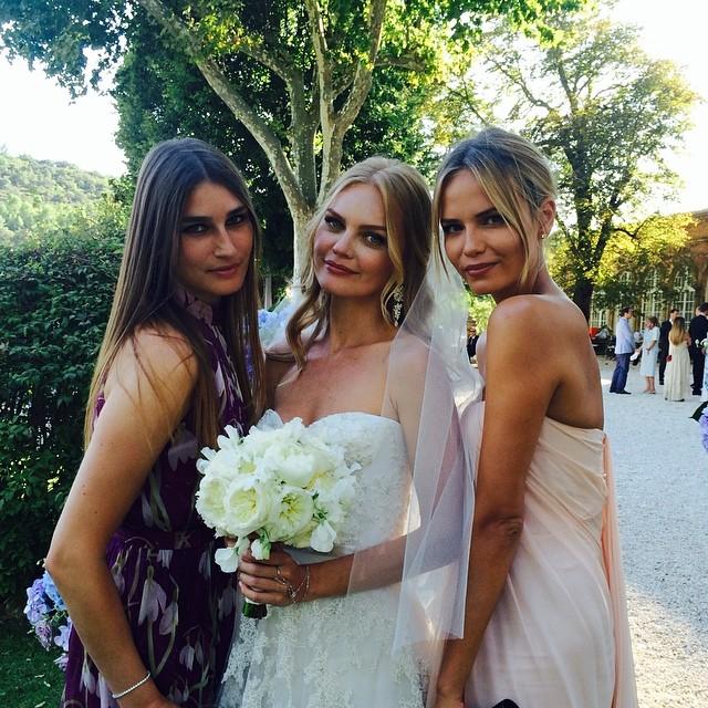 Модели Евгения Володина, Елена Кулецкая и Наташа Поли на свадебной церемонии