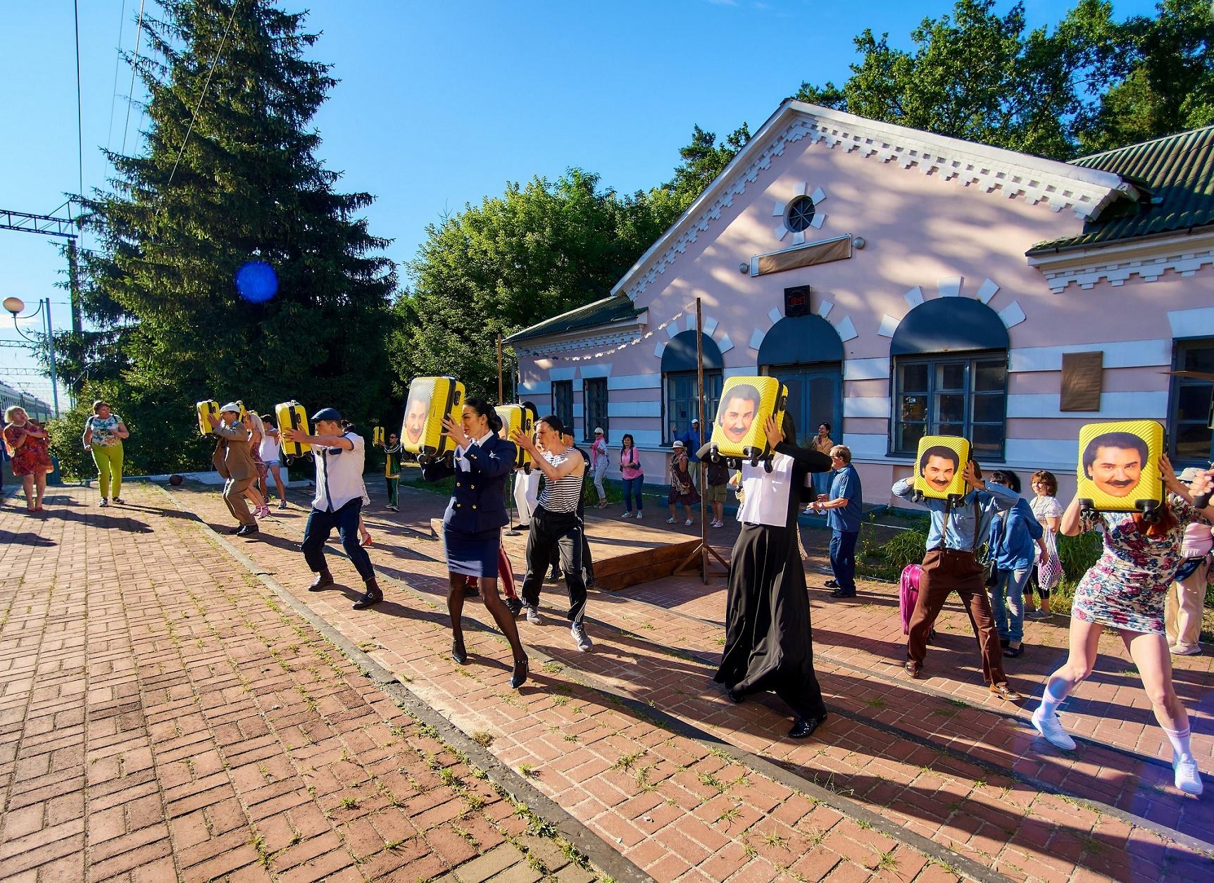 Певец Павел Зибров устроил настоящее шоу