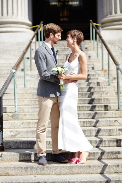 Скромная свадьба не означает, что нужно отказываться от белого платья