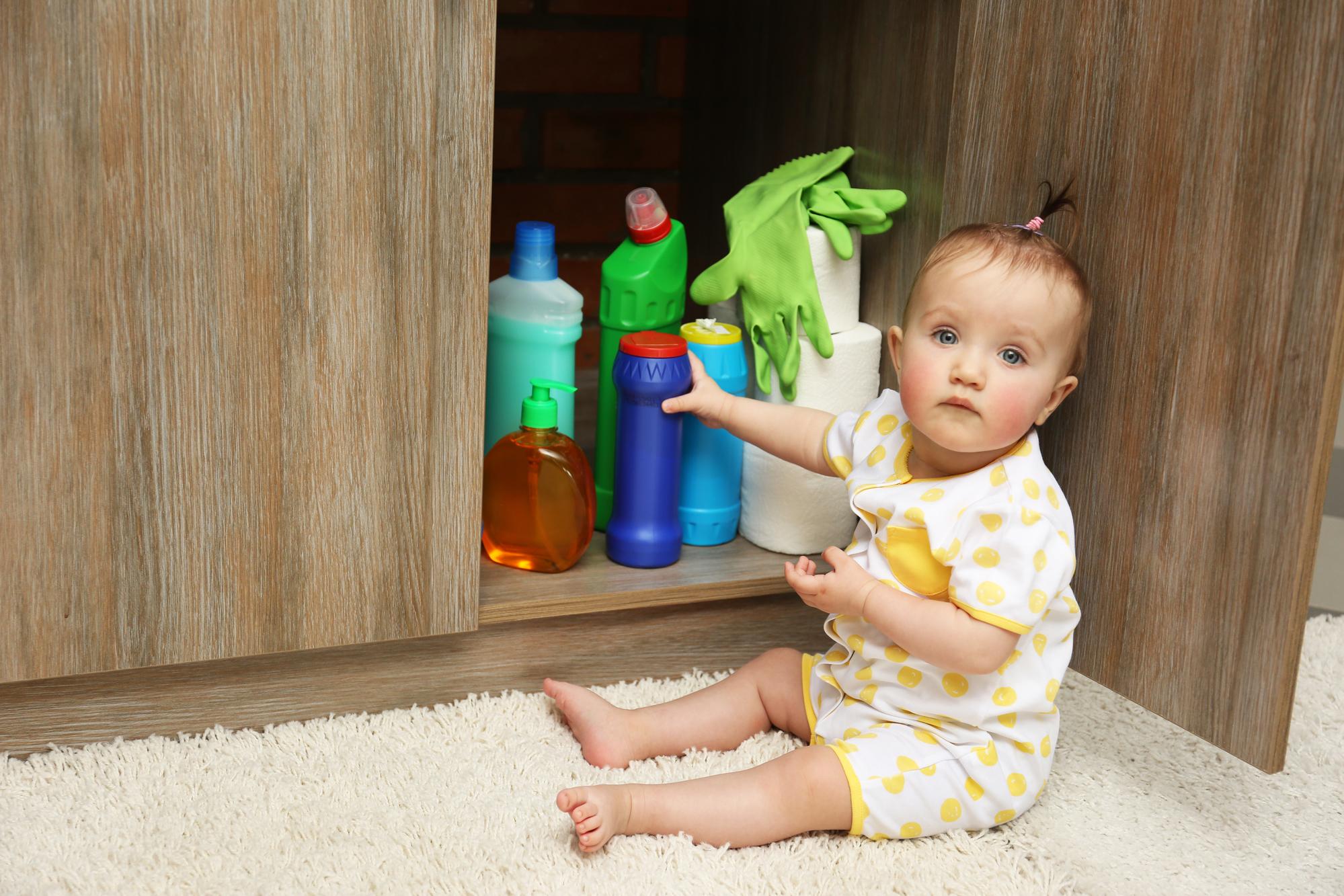 Как защитить ребенка от отравления: советы МОЗ