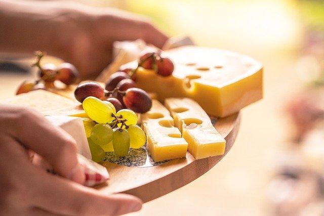 Топ-10 продуктов, которые помогут справиться с хандрой
