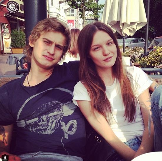 Украинская модель выходит замуж за российского хоккеиста