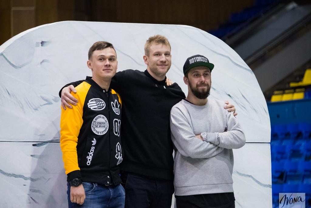 Дорн, Лимонадный (в центре) и Пахатам (справа)