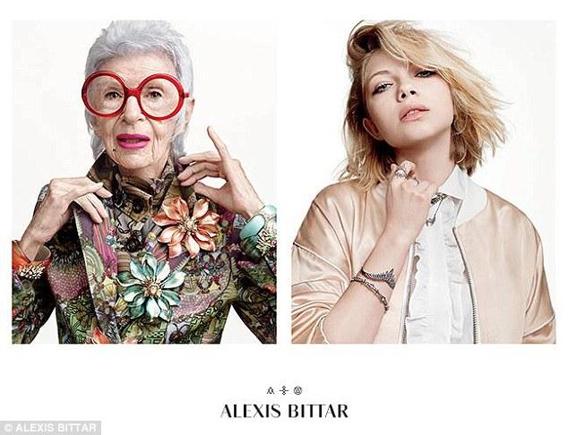 Для фото позировали 93-летняя модель вместе с 18-летней коллегой