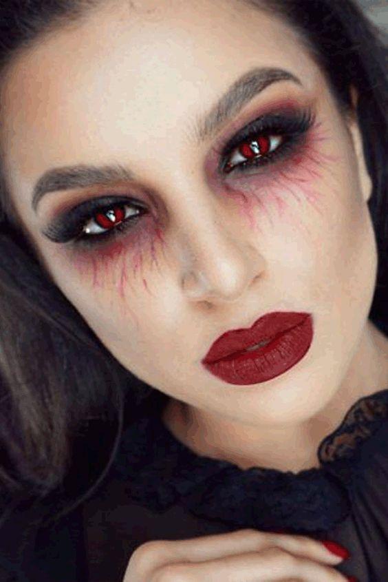 Линзы помогут завершить макияж и образ