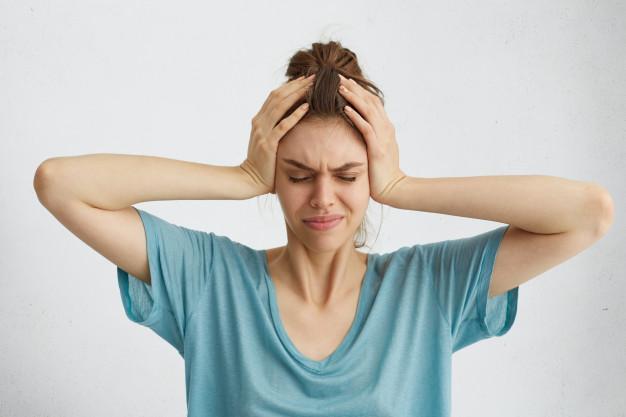 Названа причина, почему болит голова по утрам