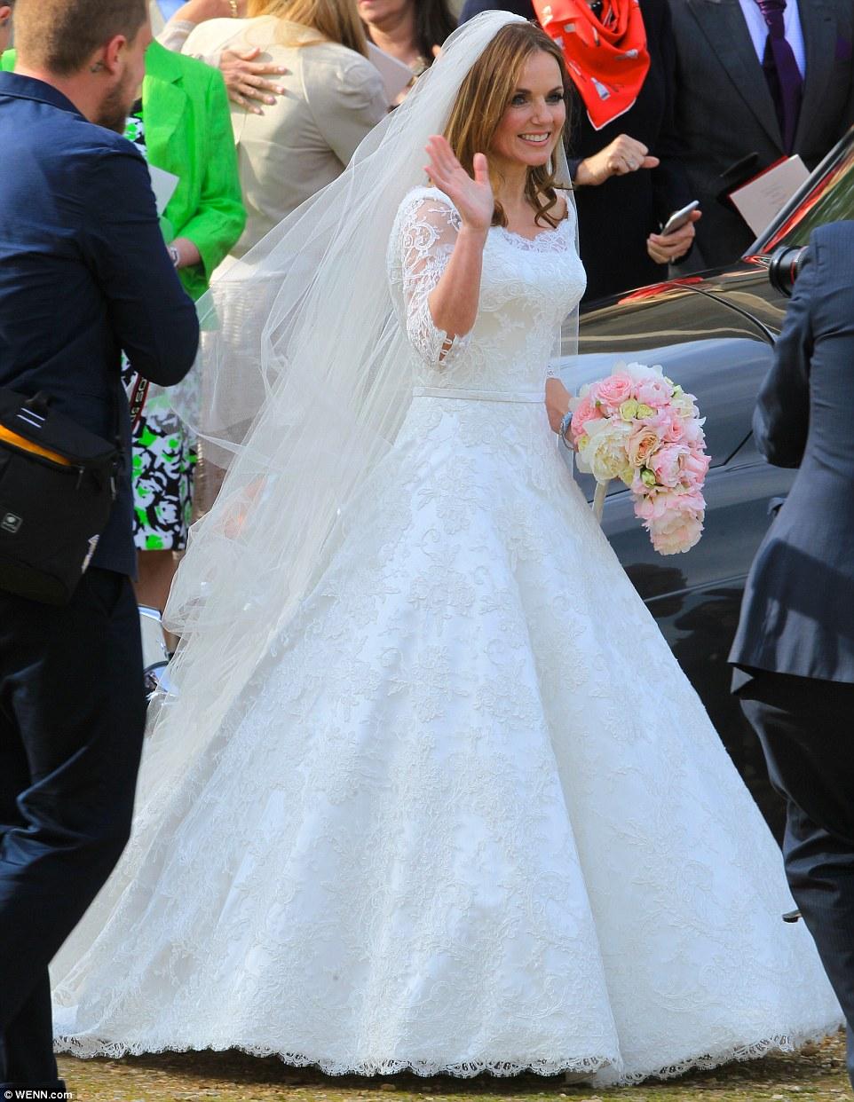 Экс-участница Spice Girls Джери Холлиуэлл вышла замуж