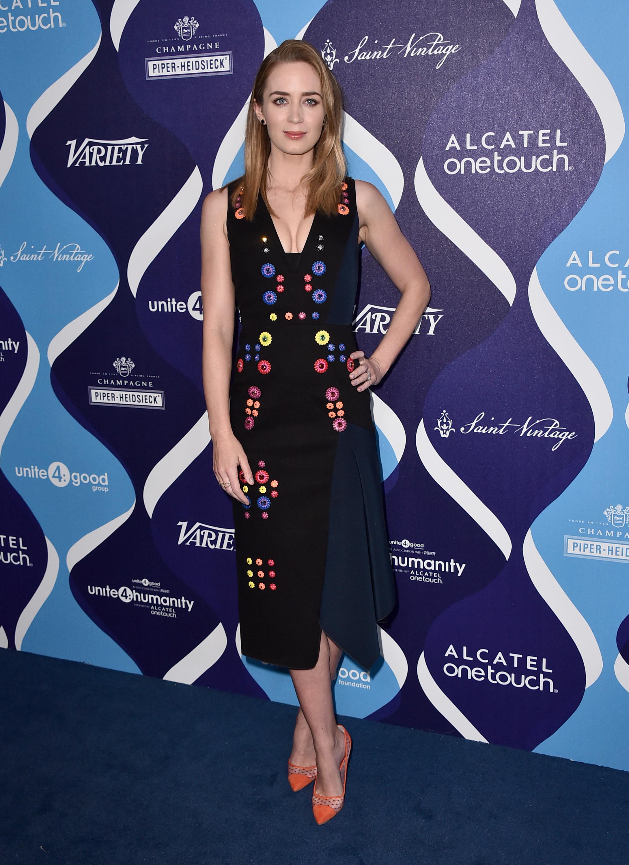 Актриса Эмили Блант поддержала женщин, нарушивших дресс-код Каннского фестиваля
